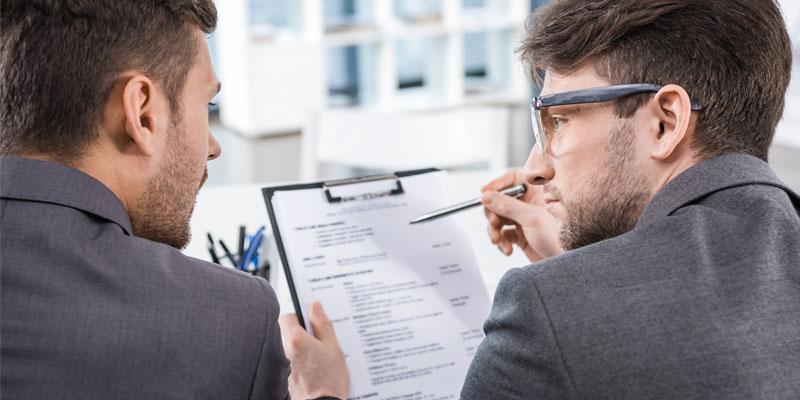 Inglese utile in ufficio: frasi da utilizzare con colleghi e clienti