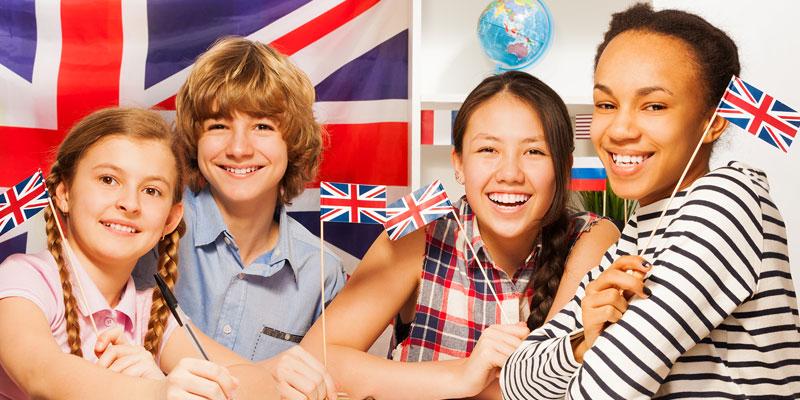 Bilinguismo-infantile-bambini-studiano-inglese
